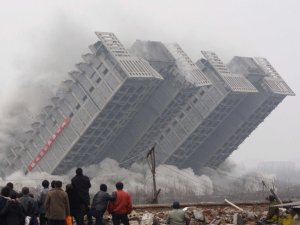 china-building-collapse-crumble-demolish-6