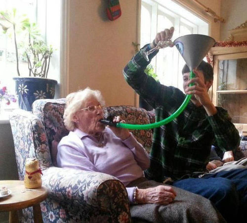 old-people-party-5